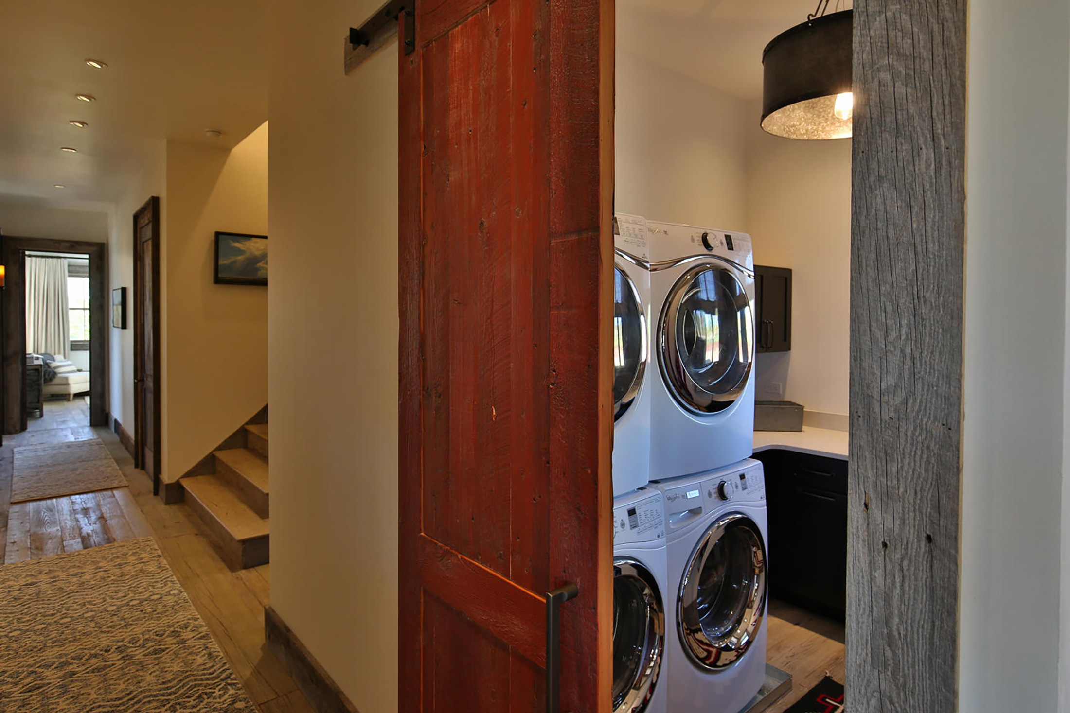 residential getaway 277 Old Armington Rd Lucky Man large 036 18 Laundry With Barn Door 1500x1000 72dpi